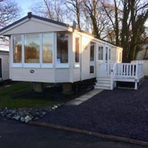 Caravan Hire, Borth (Parkdean Resorts - Brynowen)
