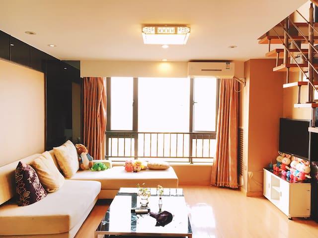 蜗牛安心丨西湖旁私密复式公寓5,新房8折,点击房东头像查看更多房源