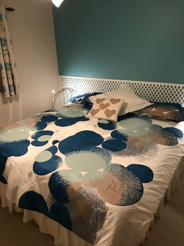 Bedroom as king size bed