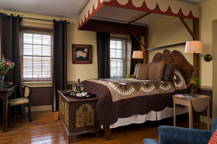 Chocolate Room - Historic Smithton Inn