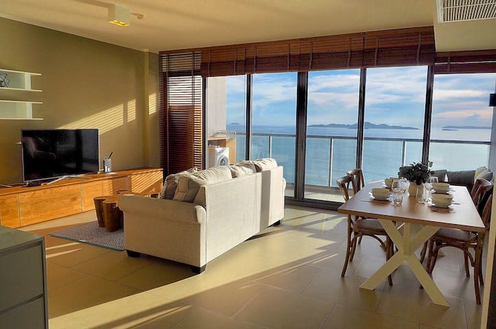 Luxury & Large 2BR with Seaview Balcony,Beachfront