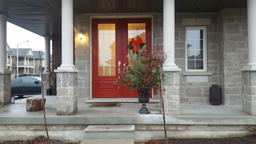 The Red Door on Pavlova 2