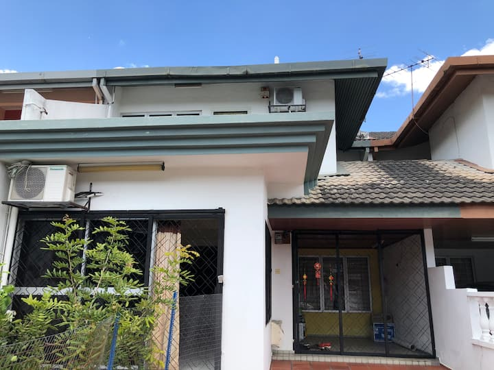 Cozy family house in Taman Kajang Raya, Kajang