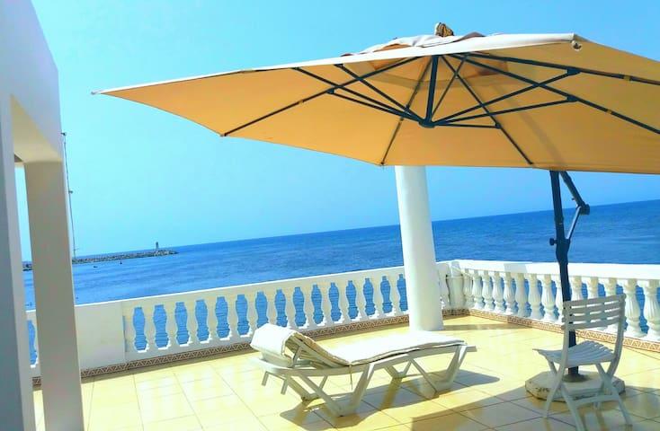 Un appartement avec vue Kelibia plage
