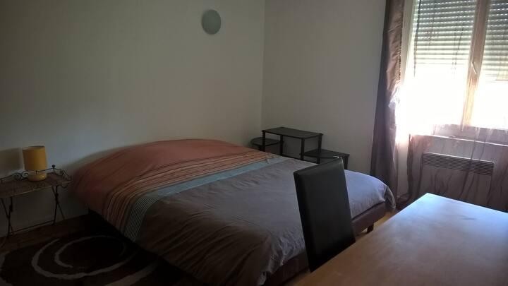 Grande chambre - 15m² - Lumineuse