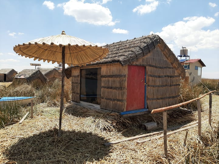 Uros Titicaca Sleep