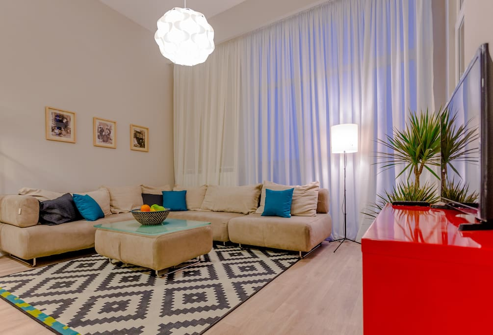Fashionable one bedroom apartment appartements louer for Canape tbilisi