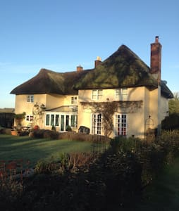 Cosy Single Room in Thatched House - Grateley - Bed & Breakfast
