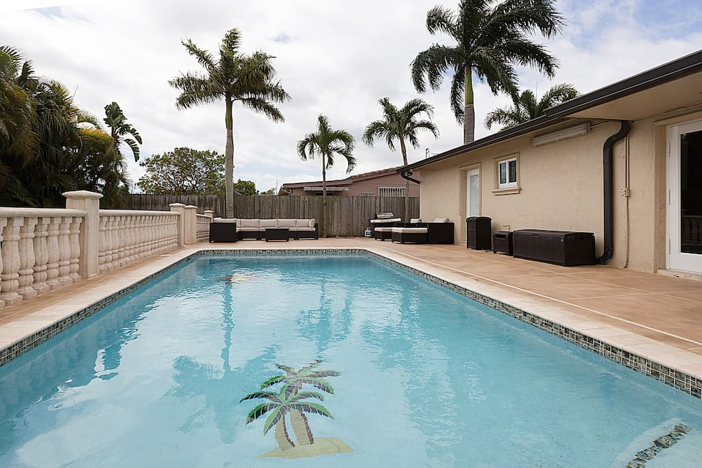 house of palms with great privacy 3 3 with pool h user zur miete in miami florida. Black Bedroom Furniture Sets. Home Design Ideas