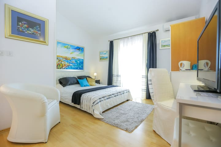 Deluxe Double Room Mirta with Pool and Sea View