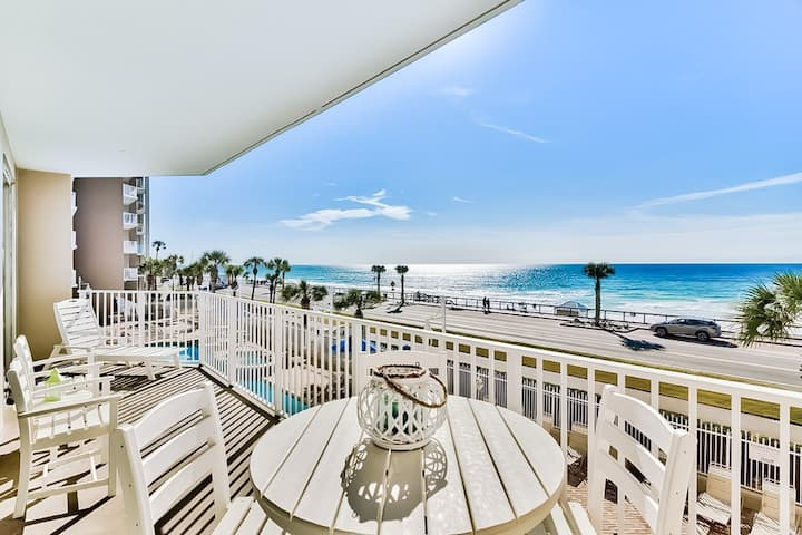Stunning oceanfront condo w/ shared pool, hot tub, & gym - steps from the sand!