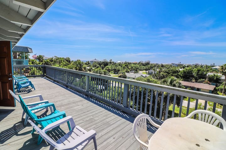 """""""The Lookout"""" 3 bed 2.5 bath home located in beautiful North Beach NSB!"""