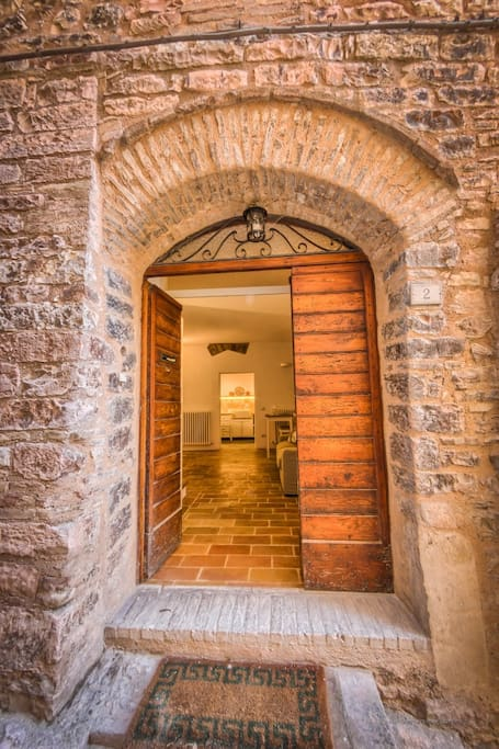 The apartment - located in one of the most ancient streets of Spello