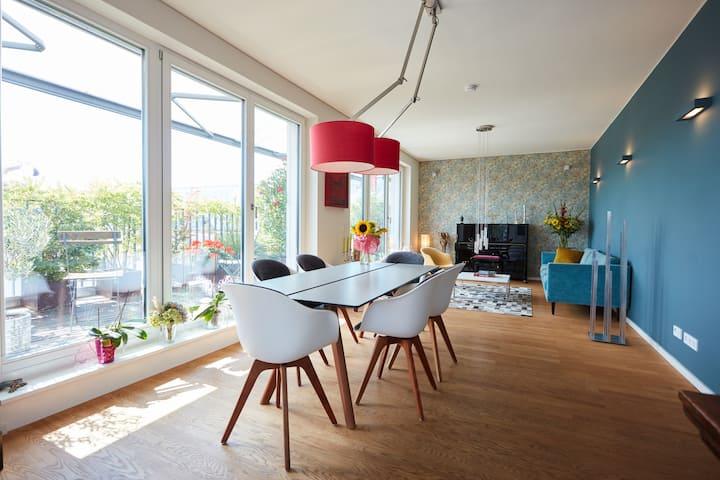 Room in a luxury penthouse in the heart of Berlin!