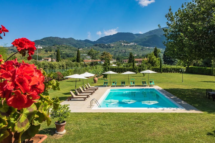 Stallino - ground floor with shared pool. Lucca