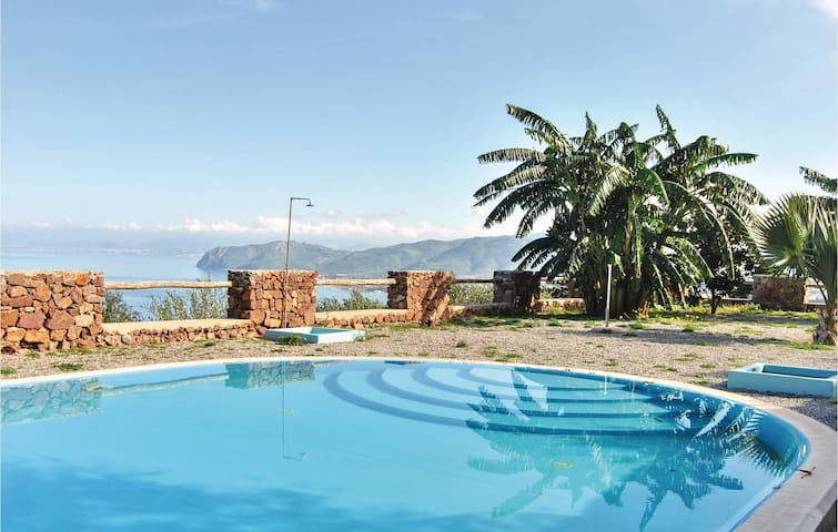 Holiday apartment with 2 bedrooms on 75 m² in Gioiosa Marea ME