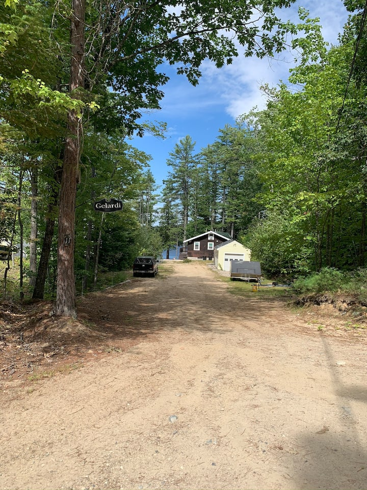 Newly renovated, 2 bedroom cottage! Pet friendly!
