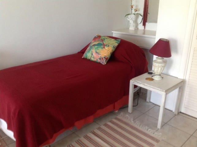 single room downstairs (shared en suite)