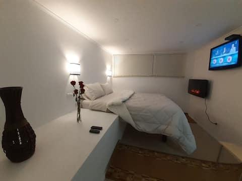 Lomas Suites