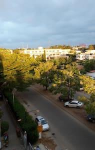 Große Wohnung, zentral, mit schöner Aussicht - Cotonou