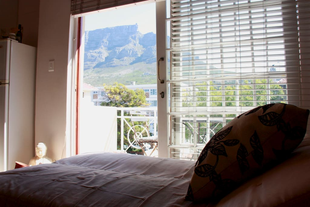 Lie on the day bed in the lounge and Table Mountain is your beautiful view.