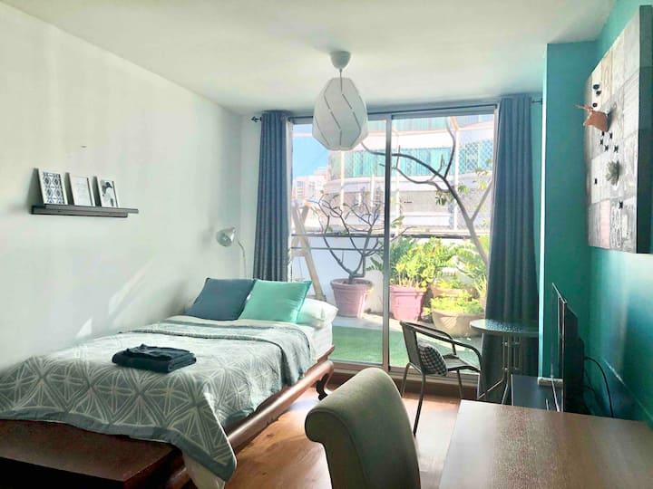 Studio Room with Rooftop Garden (FREE WIFI)