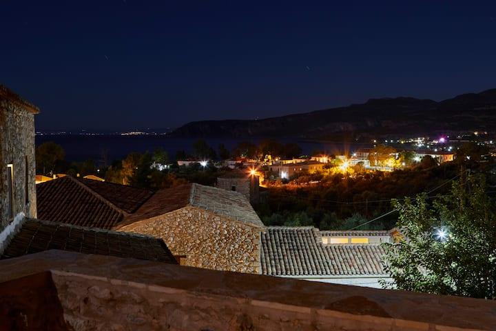 Petreas Castle - Feel the historical atmosphere