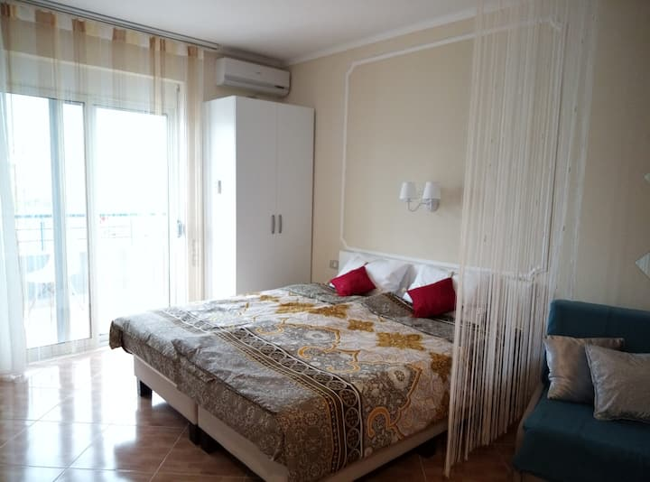 Elen Apartment