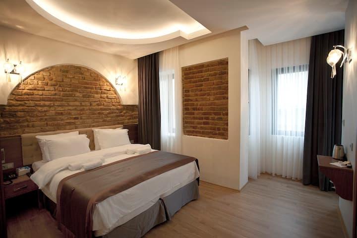 Cosy room near Istiklal Taksim(Breakfastİncluded)