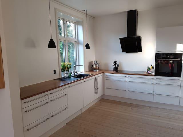 Classic danish house - Glostrup - Hus