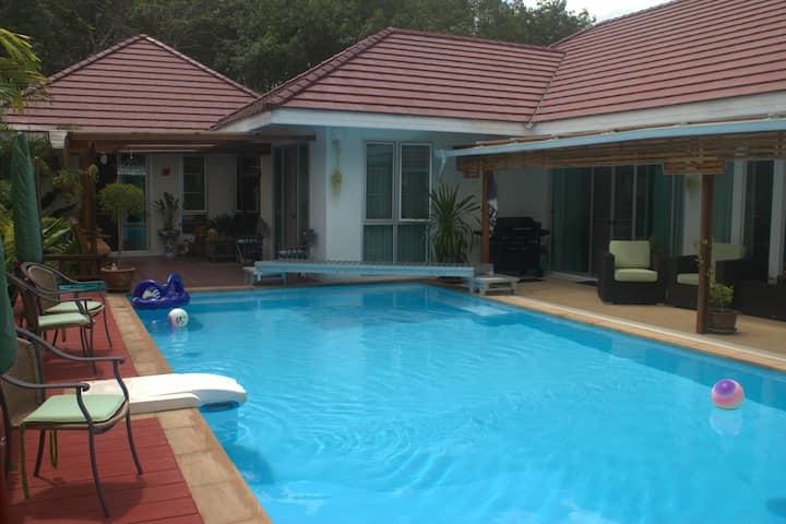 Luxury 4 Bedroom Pool Villa in Ao Nang - Sleeps 10