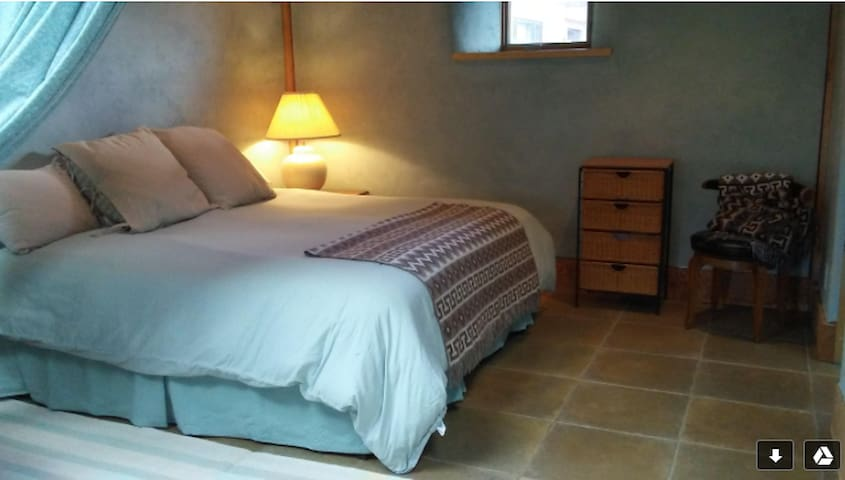 Taos  Guesthouse