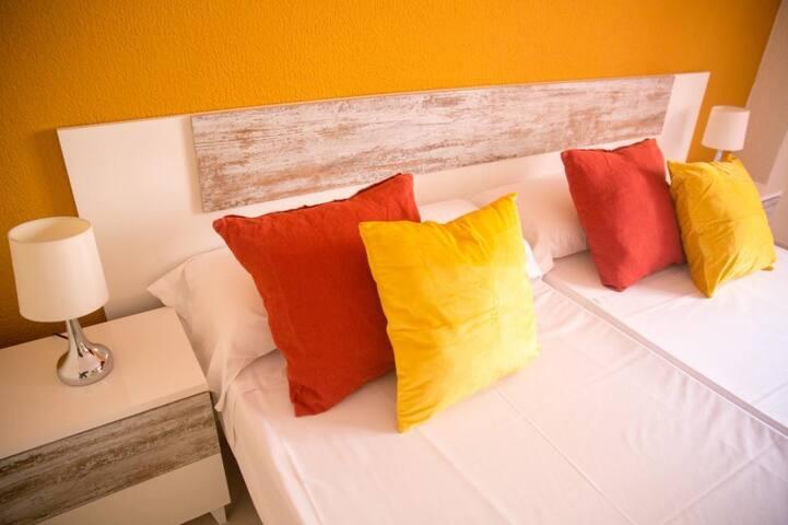 Old Town Alicante - Doble 2 camas. Baño compartido - Tarifa estandar
