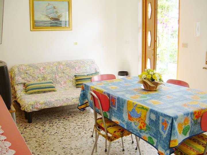 Pineta-Casa Fanotto 1- Trilocale per 4, 500 m mare
