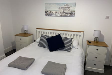 JULY&AUGUST DATES AVAILABLE BeRo Terrace