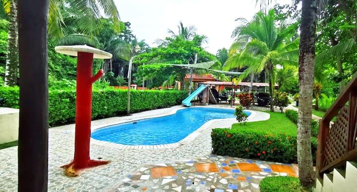 Casa Paraíso 4 hab con piscina en Rio Dulce