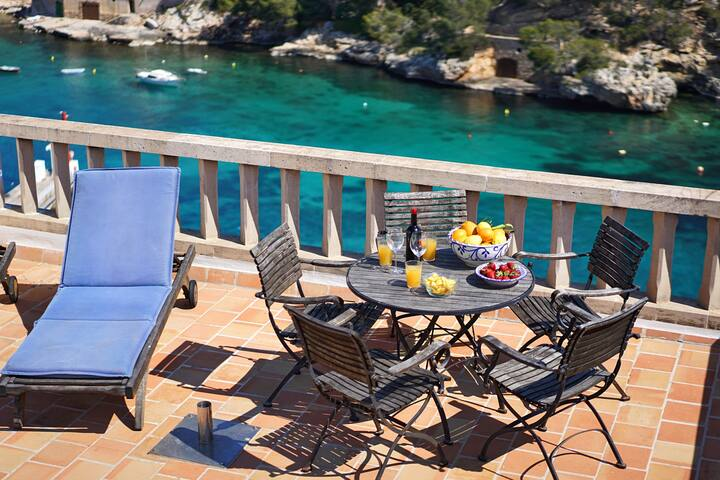 Casa de Musa is a Seafront townhouse in Cala Figuera with designer finishes and sun terrace