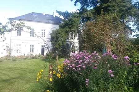 Große Ferienwohnung in alter Villa - Beverstedt