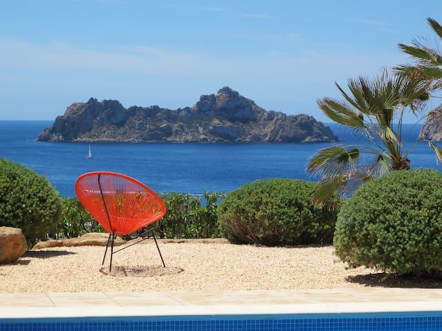 Villa am Meer mit Pool und Garten