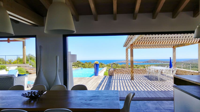 Villa Galléa, vue mer, piscine, proche mer - Zonza - Huis