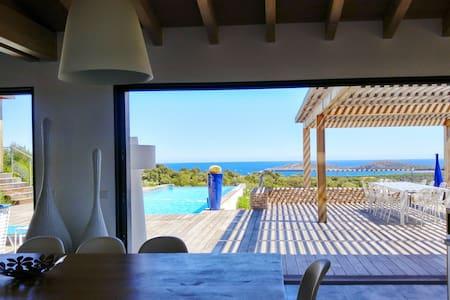 Villa Galléa, vue mer, piscine, proche mer - Zonza - Hus