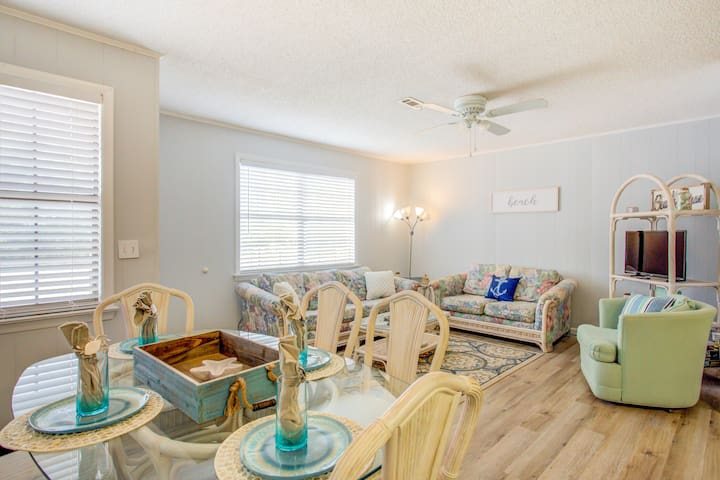 New Listing! Private Beach House Two Blocks From The Beach!
