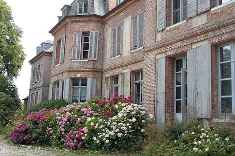 3 rooms en suite, château 20 min. from Honfleur