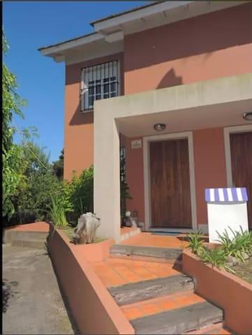 DUPLEX EN EXCELENTE UBICACIÓN VILLA GESELL - Villa Gesell - Apartment