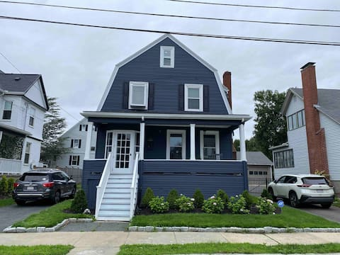 Cheerfull 4 Bedroom home close to beaches