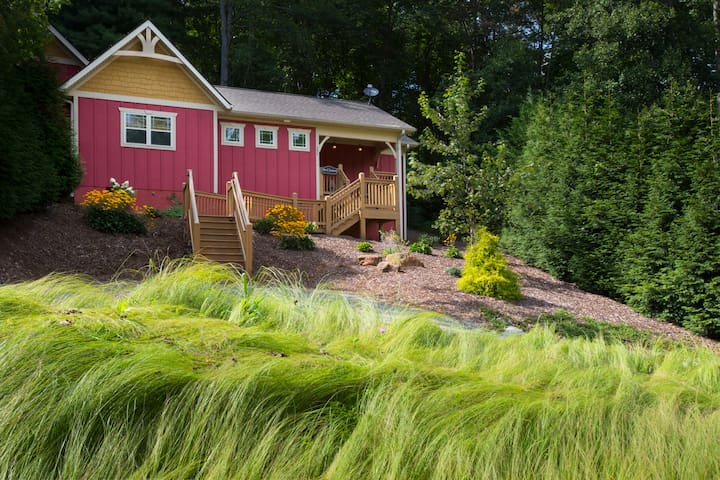 Romantic and Luxurious...Asheville Cottages