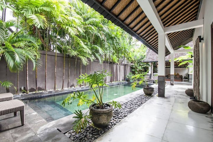 Beautiful Seminyak Villa Best Location near Beach