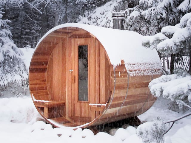 Oak Lodge Retreat - Brome - Tent
