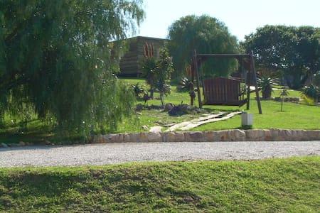 Duiker self-catering wooden chalet - Uitenhage - Gästehaus