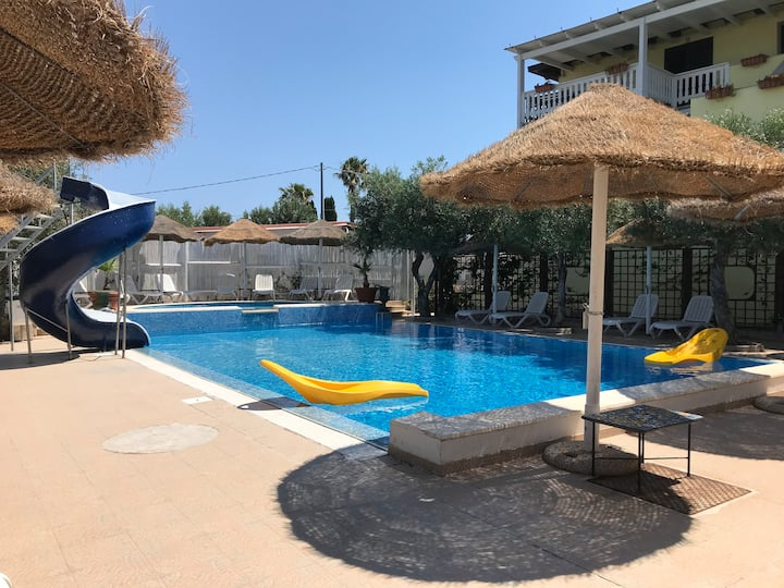 Appartamento con veranda in residence con piscina